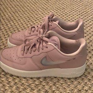 Pink nike Air Force 1